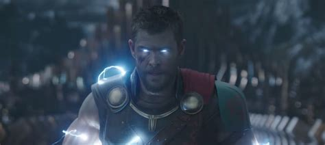 the new 39 thor ragnarok 39 trailer teases a huge change to