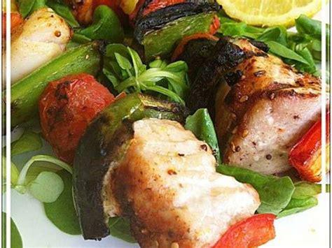 la cuisine au barbecue les meilleures recettes de brochettes et poisson