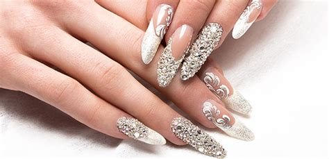 Victoria Vynn Beginner Gel Nails Certificate - The