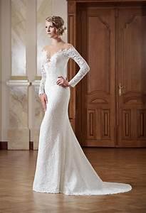 Hochzeitskleid Spitze Rückenfrei : schmales brautkleid schulterfrei mit langen rmeln kleiderfreuden ~ Frokenaadalensverden.com Haus und Dekorationen