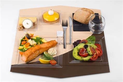 plateau repas canapé une gamme de plateaux repas savoureux pour vos réunions