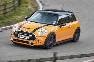 Mini Cooper Automatique : mini cooper s review can mini 39 s hot hatch still cut it against rivals evo ~ Maxctalentgroup.com Avis de Voitures