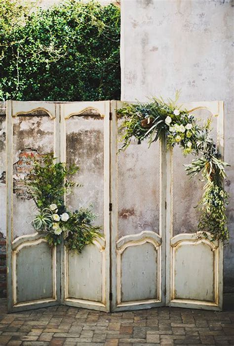 screen decoration at back of altar 25 best ideas about wedding ceremony backdrop on ceremony backdrop ceremony arch