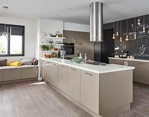 cuisine moderne et accueillante modele cuisine taupe avec With idee deco cuisine avec modà le cuisine moderne