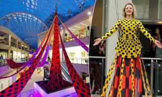 designer henry holland unveils  worlds longest dress