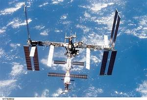 Space in Images - 2007 - 06 - International Space Station ...