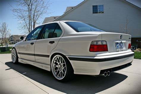 bmw m3 4 door thule silver aeroblade edge roof rack 12 bmw m3 1997 4 door sedan with supercharger Luxury