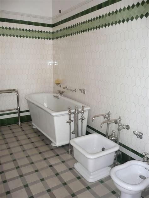 2 c est au programme cuisine les salles de bains du musée nissim de camondo