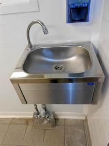 Lave Main Original : lave mains commande non manuelle equipement de cuisine ~ Edinachiropracticcenter.com Idées de Décoration