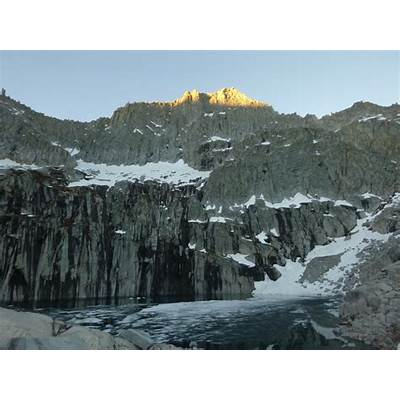 Rock Climbing Photo: Precipice Lake and the North Face of