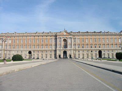 La Reggia di Caserta e il Palazzo Reale di Caserta