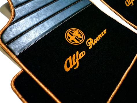 alfa romeo giulietta 2010 2015 tapis de sol premium velours noir logo sigle contours or