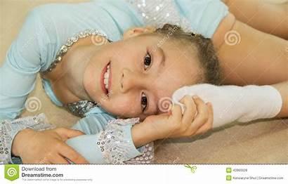 Pimpandhost Ru Gymnaste Exercices Faisant Mignon Fille