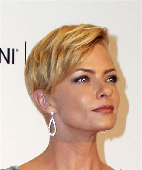 Formal Pixie Hairstyles by Jaime Pressly Formal Pixie Hairstyle With