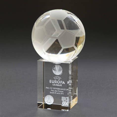 coupe en forme de ballon de foot avec gravure verre