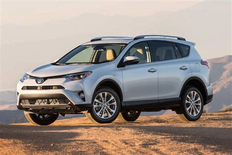 Ford Escape Vs Toyota Rav4 by 2018 Toyota Rav4 Vs 2018 Ford Escape Which Is Better