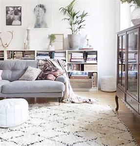 Le tapis de salon dans quelques mots et beaucoup de photos for Tapis de sol avec canape ressorts ensachés