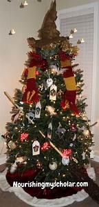 Harry Potter Decoration : best 25 harry potter christmas ideas on pinterest harry ~ Dode.kayakingforconservation.com Idées de Décoration