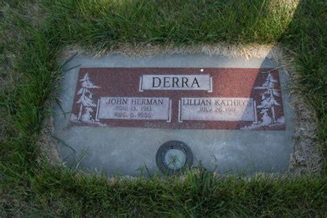 John Derra and Lillian Derra Gravestone - Malin Oregon