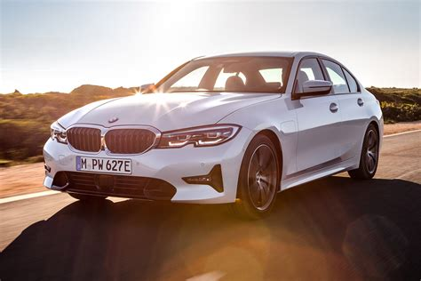 2020 Bmw Lineup by New 2019 Bmw 330e In Hybrid Joins Line Up Auto Express