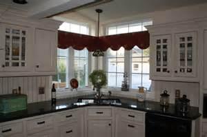 Creative Corner Sink & Window Solution traditional kitchen