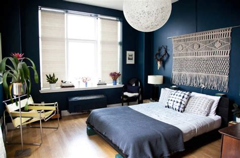 How To Decorate A Bedroom Wall by 10 Things To Do With The Empty Space Your Bed