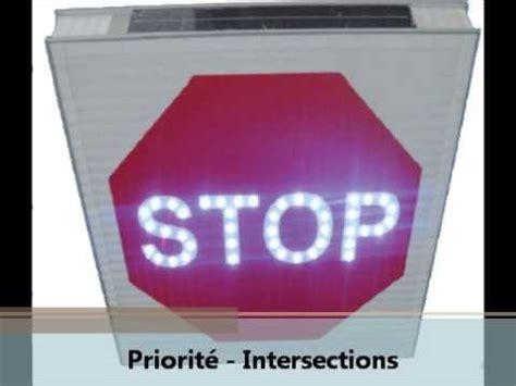 panneau de signalisation lumineux stop led