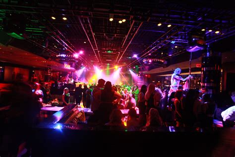 oak year anniversary oak nightclub