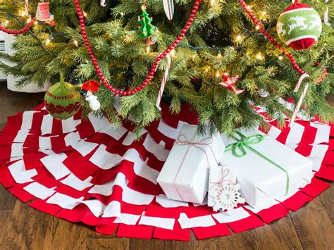 sew sunburst christmas tree skirt hgtv