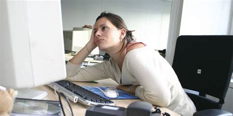 ennui au bureau quand l 39 ennui au travail vous mène droit au quot bore out