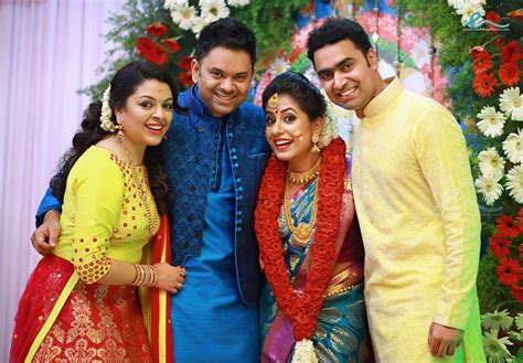 engagement  actress jyothi krishnan  arun indian
