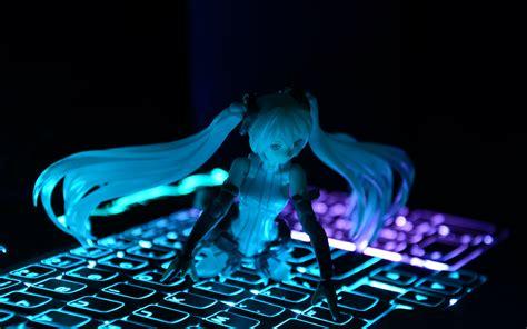 Anime Keyboard Wallpaper - anime miku vocaloid blue keyboard figure wallpaper
