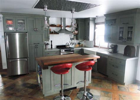 cuisine comptoir bois cuisine en merisier teint et verni comptoir de béton et