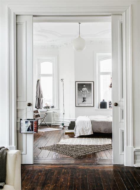 chambre blanche et bois intérieur blanc et bois 40 idées inspirantes à emprunter