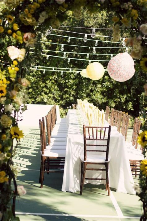 Backyard Wedding Locations by 25 Best Ideas About Tennis Court Wedding On
