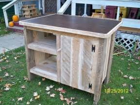 rolling islands for kitchens 11 best images about pallet kitchen island on