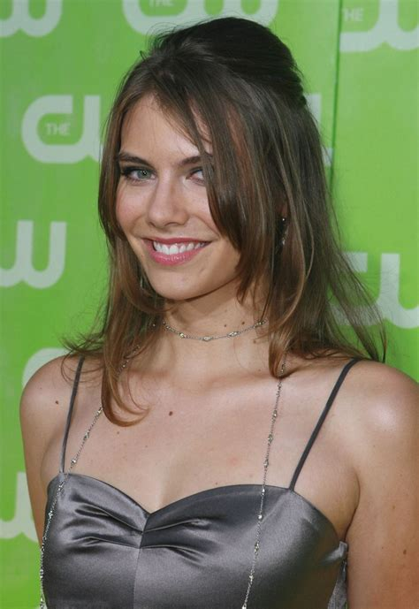 katie cassidy lauren cohan hair  angled sides trendy