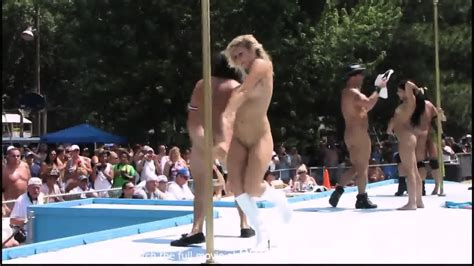 Strippers Raw And Naked In Public At Awesome Nudes A