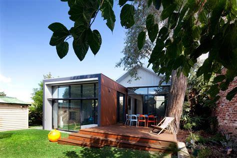 australian house transformed  modern building