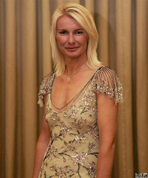 Simona Halep - Bio, Facts, Family | Famous Birthdays