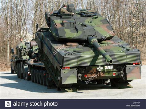 bundeswehr panzer kaufen ein deutsche bundeswehr kfpanzer quot leopard 2 a6 quot quot wehrbereichskommando iv quot wbk iv f 228 hrt