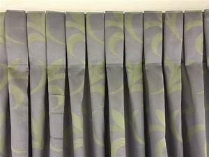 Box pleat how to make a box pleat curtain youtube for How to make box pleat curtains