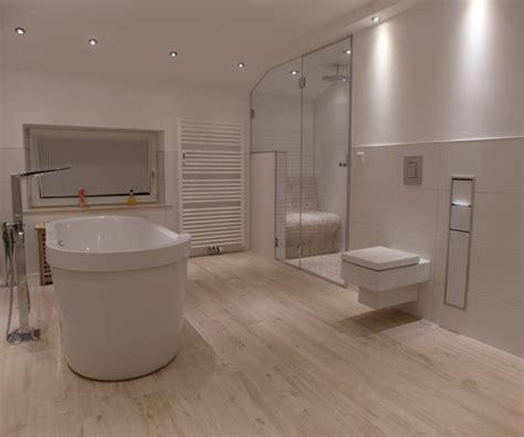 Schöne Bilder Fürs Badezimmer by Sch 246 Ne Fliesen F 252 R Badezimmer