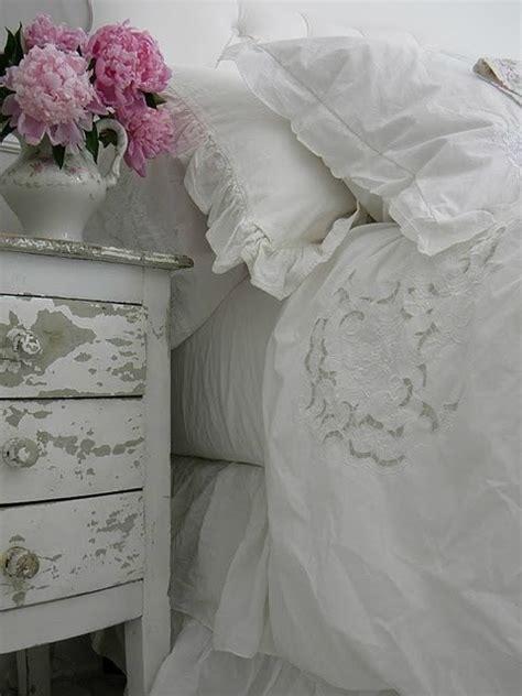 shabby 2 chic design 30 shabby chic bedroom decorating ideas decoholic