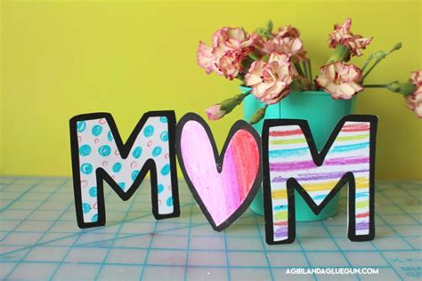 mothers day card  kids  color  girl   glue gun