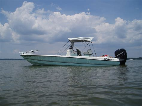 Lowe Deck Boat Bimini Top by Bimini Top Yes Or No The Hull Boating And