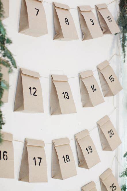 basteln mit papiertüten adventskalender mit kleinen t 252 tchen an schnur ideen adventskalender adventskalender basteln