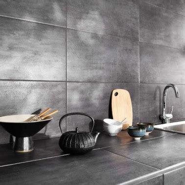 simulation cuisine 3d carrelage mural et plan de travail cuisine effet métal gris