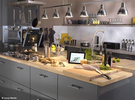renovation cuisine plan de travail poser un plan de travail dans la cuisine décoration