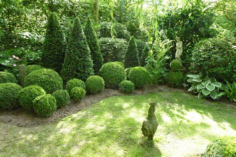 Diepenbeek Garten Janssen / Buchskugeln & Thujen